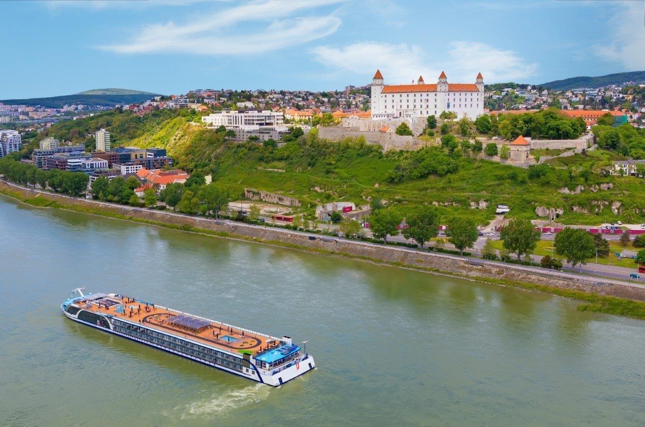 AmaMagna ile Tuna Nehri ve Orta Avrupa` da 5 Ülke Yılbaşı Turu cruise gemi turları
