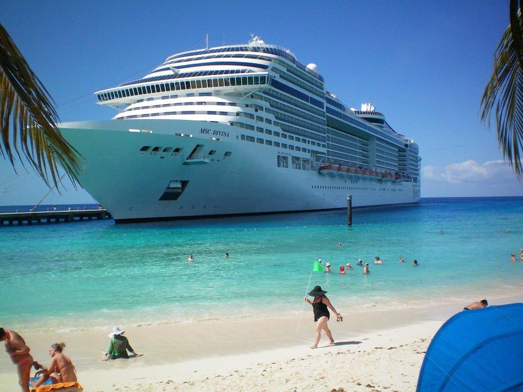 Msc Divina ile Büyük Karayipler ve Orta Amerika cruise gemi turları