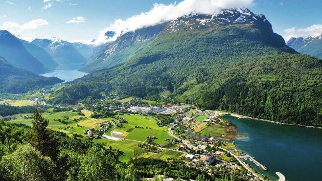 Costa Fascinosa ile Norveç Fiyortları ve Nordfjordeid cruise gemi turları