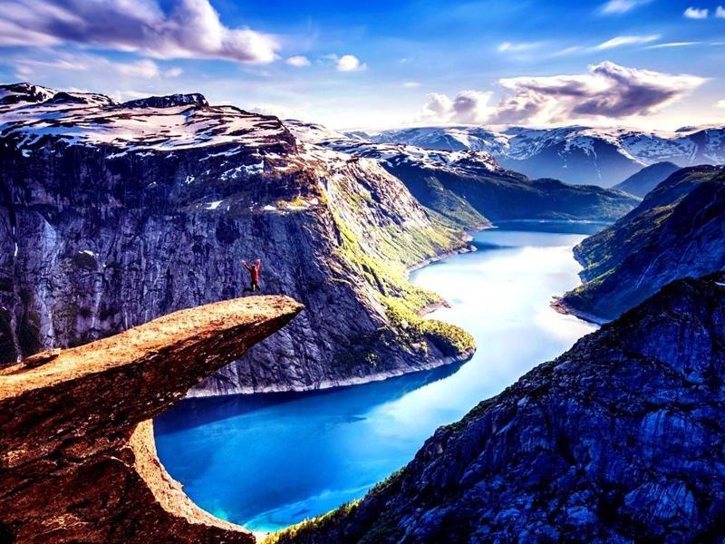 Costa Fascinosa ile Norveç Fiyortları ve Alesund cruise gemi turları