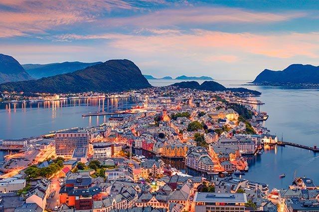 Costa Fascinosa ile Norveç Fiyortları ve Molde cruise gemi turları